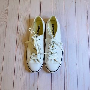 Chuck Taylor/Converse Low White Slip-ons